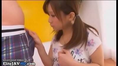 Japanese adorable teen gets cumshot in mouth